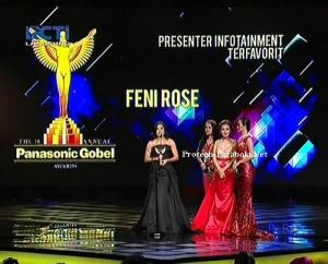 Kategori Presenter Infotainment Feni Rose