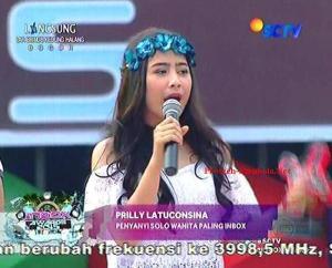 Pemenang Kategori Penyanyi Solo Wanita Paling INBOX Prilly Latuconsina